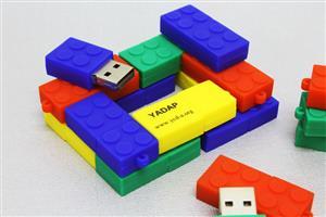 Stick USB personalizat – Inspirație LEGO2
