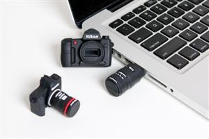 Stick USB personalizat, model CAMERĂ FOTO2