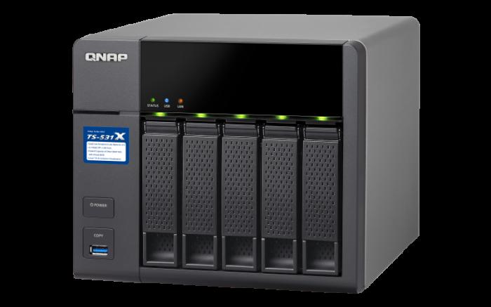NAS business de înaltă performanță, quad-core, cu 5 compartimente, cu porturi duale integrate de 10 GbE SFP + și procesor actualizat de 1,7 GHz 0