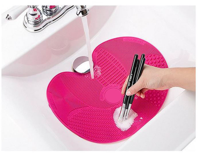 Dispozitiv de Silicon pentru Curatarea Pensulelor de Makeup, Brush SPA cu 7 suprafete diferite si sistem de fixare antialunecare-big