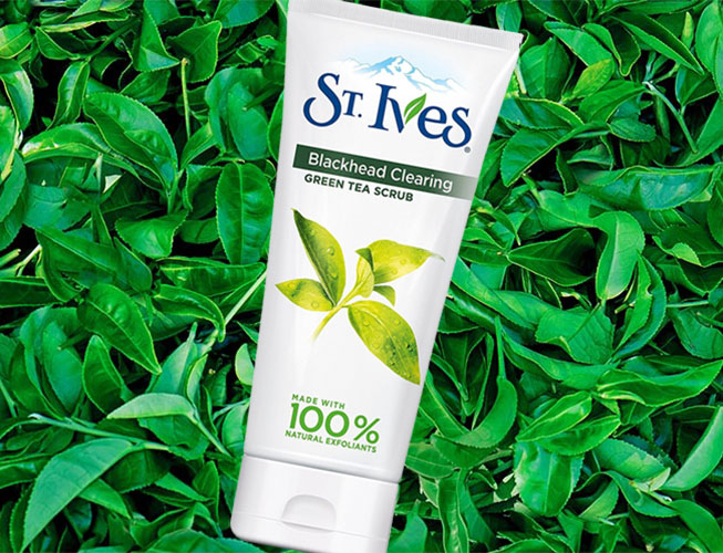 Exfoliant pentru puncte negre si roseata ST. IVES Blackhead Clearing, Green Tea Scrub, 150 ml-big