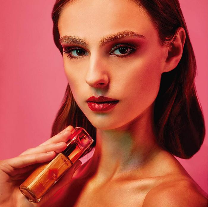 Iluminator lichid pentru ten si corp L'Oreal Paris ELECTRIC NIGHTS Face & Body Luminizer, 30 ml-big