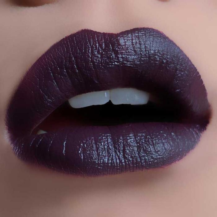 Ruj lichid mat Makeup Revolution Salvation Velvet Lip Lacquer, Velvet Vamp-big