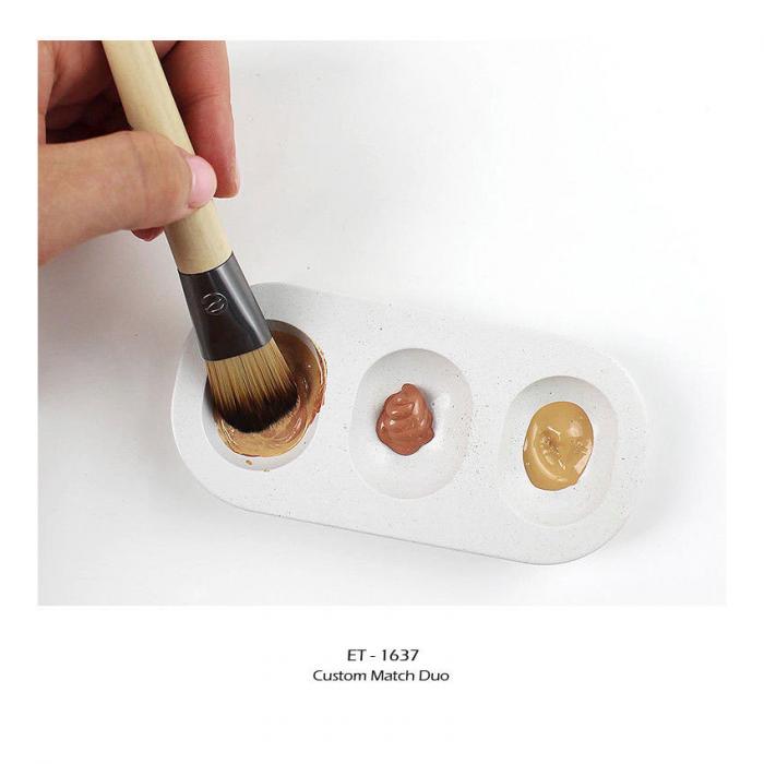 Set de 2 pensule profesionale ECOTOOLS Custom Match Duo, cu tavita pentru blending si curatare-big