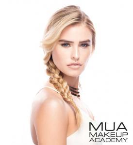 Pudra iluminatoare aurie Luxe Glow Beam Highlighting Powder MUA Makeup Academy Professional, Gold4
