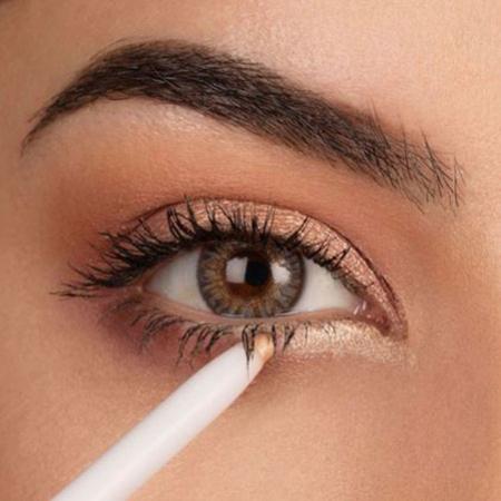 Creion de ochi pentru luminozitate MAYBELLINE Lasting Drama Light Liner, Waterproof, 10 Gold Light4