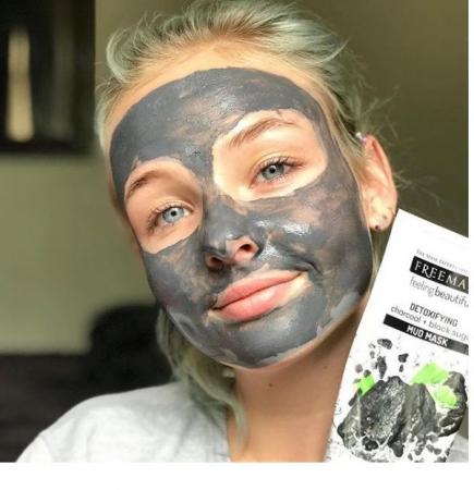 Masca detoxifianta cu carbune si zahar negru FREEMAN Detoxifying Charcoal + Black Sugar Mud Mask, 175 ml5
