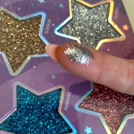 Paleta Glittere si Iluminator SUNKISSED Cosmic Stars Glitter3
