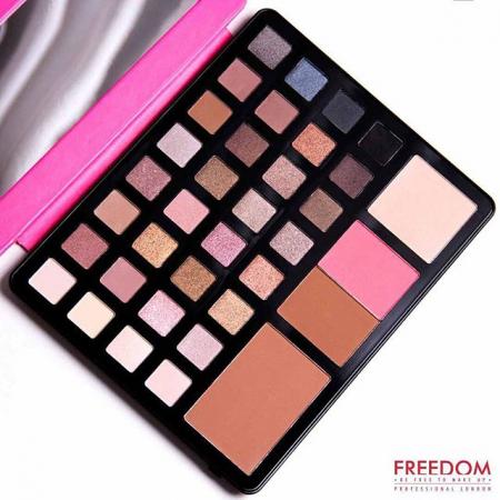 Paleta pentru fata multifunctionala Freedom Makeup, Pro Artist Pad Studio to Go2