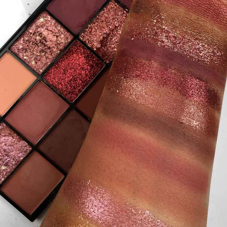 Paleta Profesionala de Farduri Technic 15 Pressed Pigment Palette, Invite Only, 15 Culori, 21.9 g3