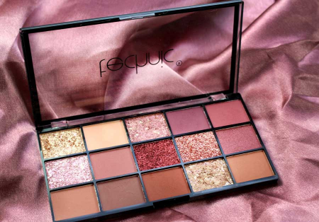 Paleta Profesionala de Farduri Technic 15 Pressed Pigment Palette, Invite Only, 15 Culori, 21.9 g5