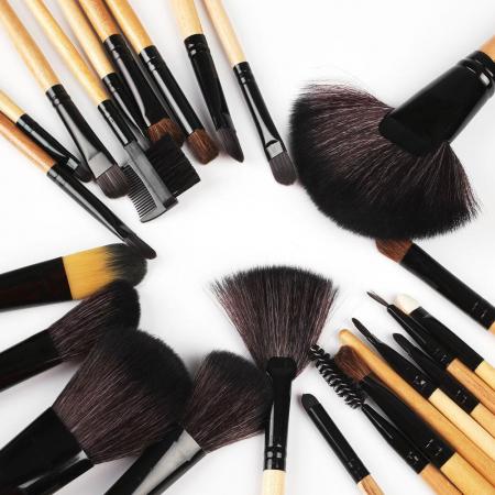 Set de 24 Pensule Profesionale pentru machiaj din par natural, Top Quality Natural Wood3