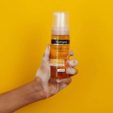 Spuma de curatare cu Turmeric pentru ten sensibil, acneic NEUTROGENA Clear & Soothe, 150 ml2