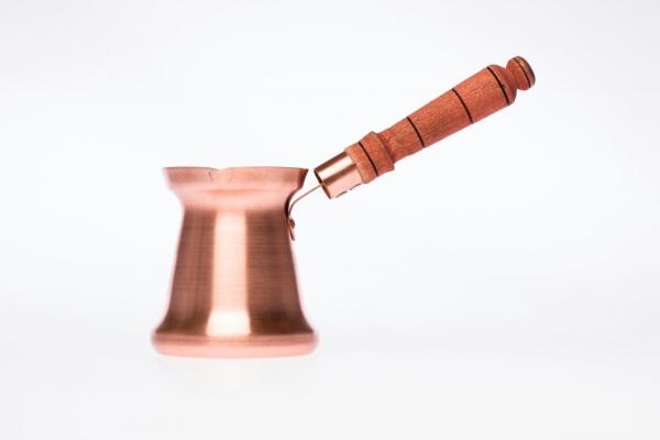 Ibric din cupru cu maner din lemn [0]