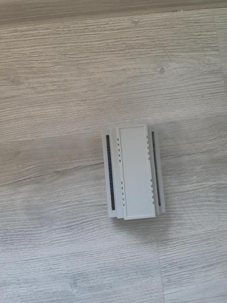 Controler iluminat inteligent scari 1