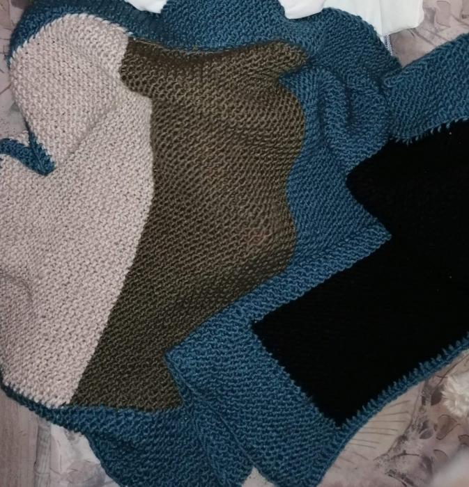 Păturică handmade croșetată 0