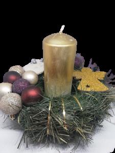 Aranjament pentru masa de Crăciun cu lumânare0
