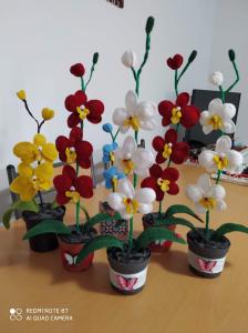 Orhidee croșetată handmade cu o floare1