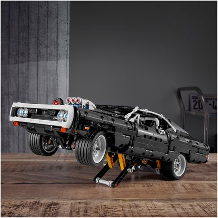 LEGO® Technic: Dom's Dodge Charger 42111 3