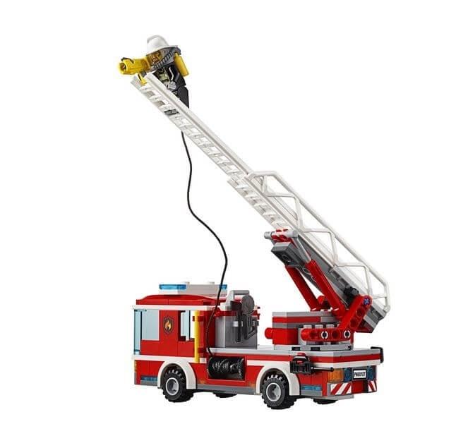 LEGO® City Camion de pompieri cu scara 60107 1