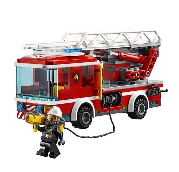 LEGO® City Camion de pompieri cu scara 60107 3