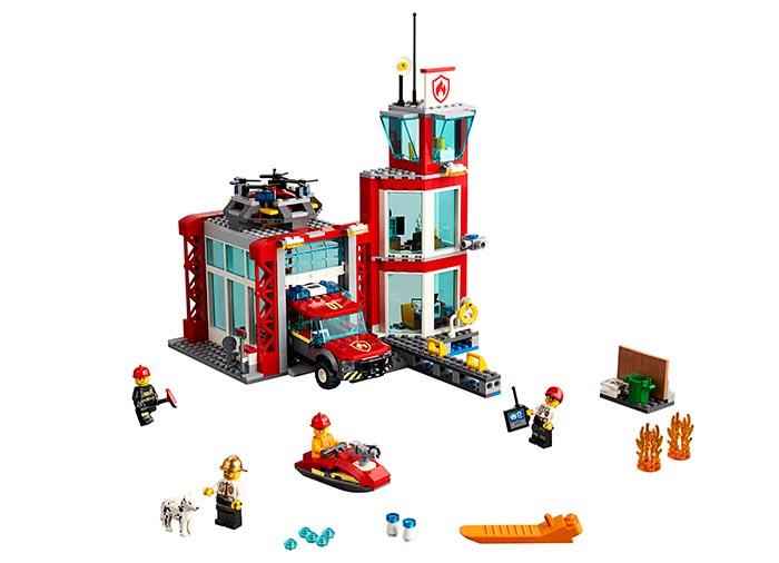 LEGO® City: Stație de pompieri 60215 0