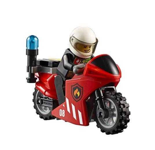 LEGO® City Unitatea de interventie de pompieri 60108 3