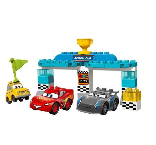 LEGO® DUPLO® Disney™ Cursa pentru Cupa Piston 10857 1