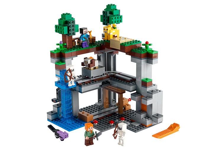 LEGO® Minecraft™: Prima aventura 21169 0
