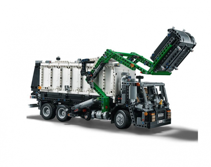 LEGO® Technic Mack® Anthem™ 42078 11