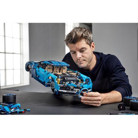 LEGO® Technic Bugatti Chiron 42083  [3]