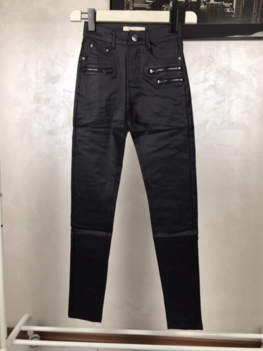 Pantaloni damă 0