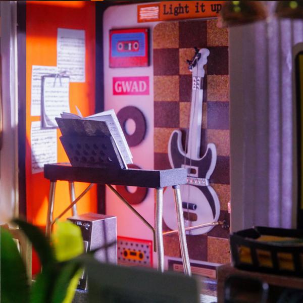 Puzzle 3D Kevin's Studio [8]