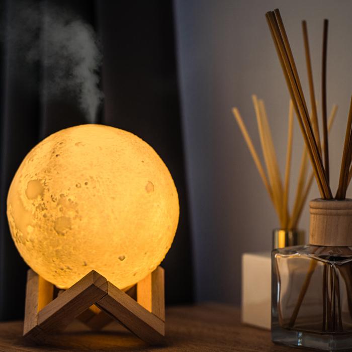 Lampa de veghe cu umidificator, Luna Moon 3D, Aromaterapie 13 CM, Reincarcabila cu acumulator, lumina 3 culori + stand lemn [0]
