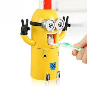 Dozator pasta de dinti cu suport pentru 2 periute, model Minions [3]