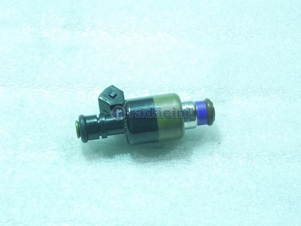 Injector benzina cod 17109450 0