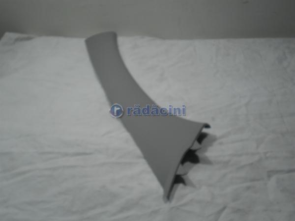 Ornament stalp parbriz dr fata  cod 96436009 0