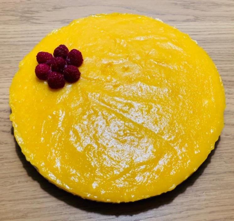 Cheesecake raw vegan cu cocos si mango - tortul de la 2 anisori