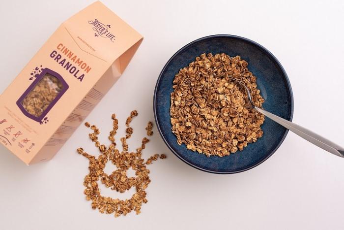 Cinnamon Granola 320 g [2]