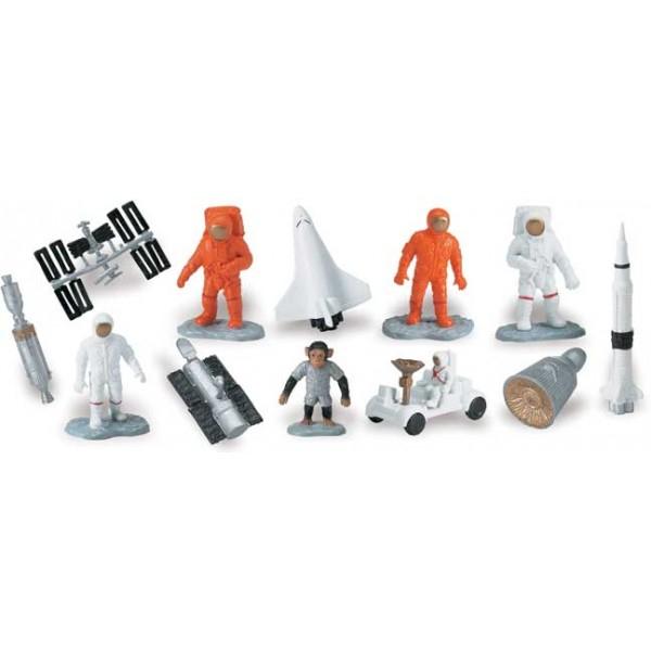 Tub 12 Figurine In Spatiu 1