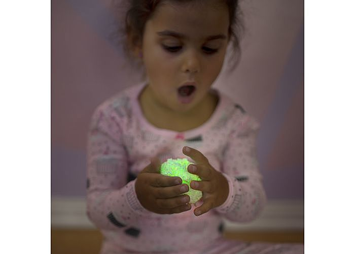 Spuma Modelatoare Fosforescenta Glow In The Dark 2