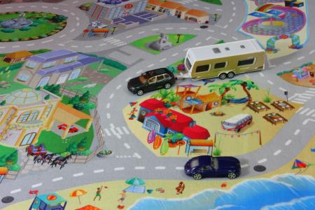 Covor de joaca pentru copii cu stradute model Seaside dimensiuni 100 x 150 cm3