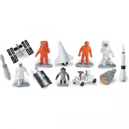 Tub 12 Figurine In Spatiu1