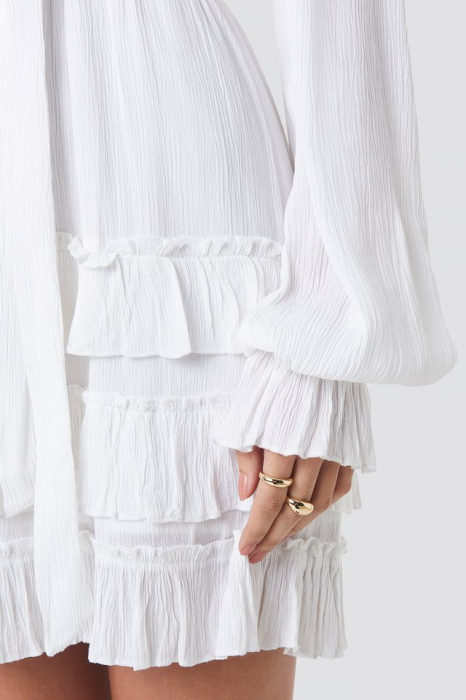 Front Button Frill [3]