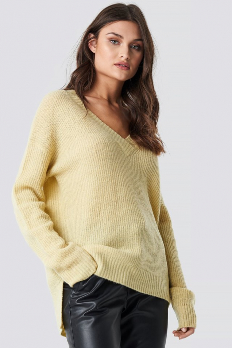 Pulover Deep V-Neck Wool Blend Sweater [0]