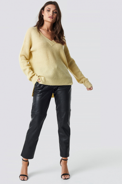 Pulover Deep V-Neck Wool Blend Sweater [2]