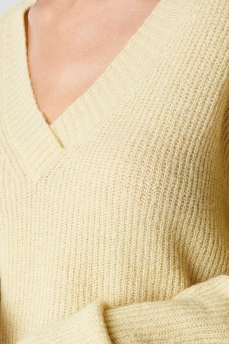 Pulover Deep V-Neck Wool Blend Sweater [1]