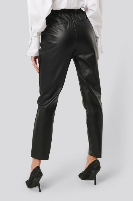 Pantaloni Drawstring PU Seam Detail 1