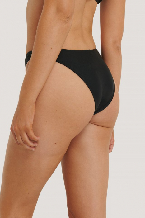 Slip De Baie V-Shape Front Bottom 1