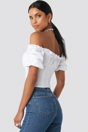 Top Off Shoulder Ruffle Cup Cropped1
